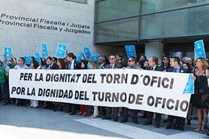 Los Colegios de Abogados de Valencia y Barcelona se coordinan para combatir tres proyectos de ley