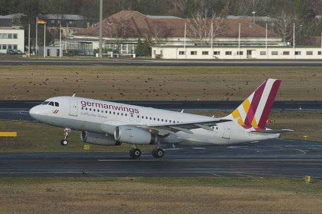 La hora de llegada de un vuelo es cuando se abre la puerta del avión