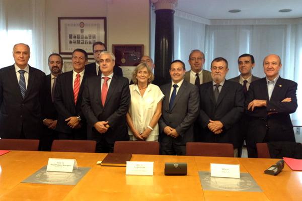 Justicia renueva los acuerdos para gestionar la mediación con los 14 colegios de abogados catalanes