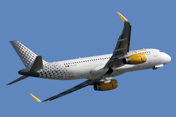Confirmada una multa de 3.000 euros a Vueling al considerar abusivo el cobro por la facturación de maletas