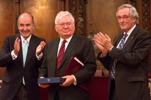 Roca Junyent concede el Primer 'Premio Derecho y Sociedad' al juez de la Corte Internacional de Justicia, Thomas Buergenthal