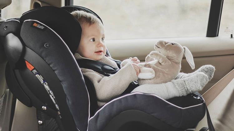 Nueva normativa sillas infantiles en los coches