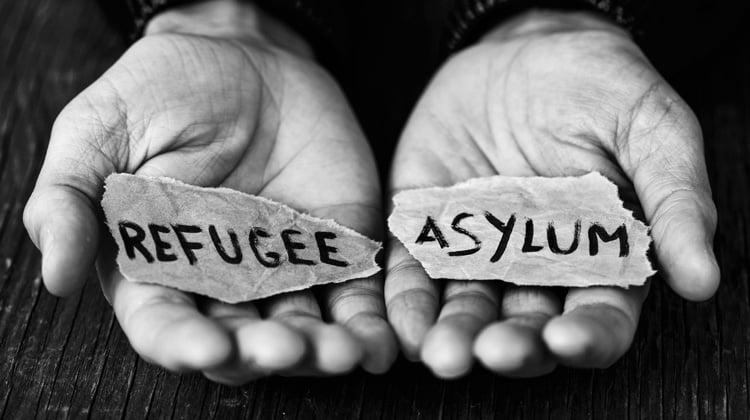 La situación de las solicitudes de asilo político colapsa el puesto fronterizo de Barajas