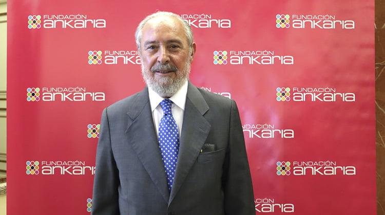 Manuel Aragón: No debe descargarse solo en los jueces la defensa del Estado