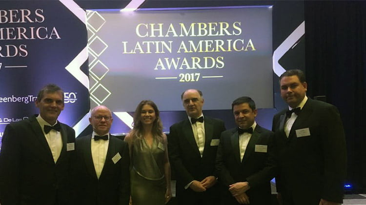 Chambers premia al despacho de abogados Garrigues por su servicio al cliente en Latinoamérica