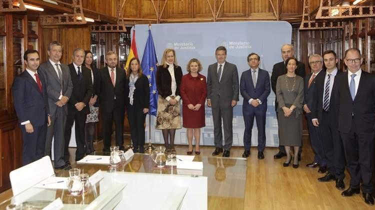 Catalá se reúne con la nueva dirección del Colegio de Registradores de España