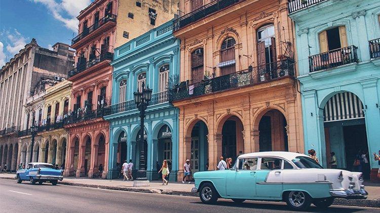 Cuba debe afrontar los nuevos retos de la economía impulsando la producción interna y la inversión extranjera