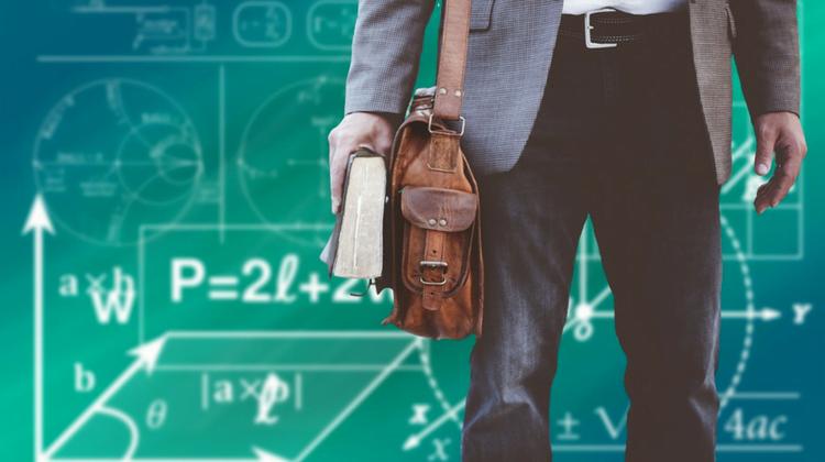 El Supremo declara nulo el cese en los meses de verano de los profesores interinos de centros no universitarios