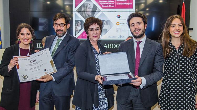 El equipo de Cuatrecasas ganador del torneo de Debate Jurídico Iuventus Litis