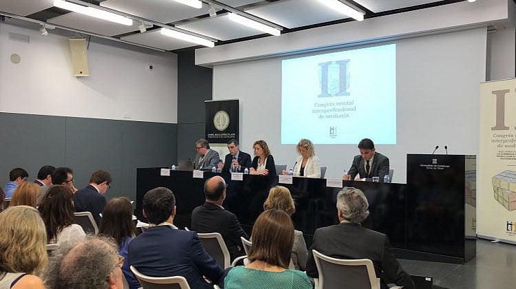La Abogacía Catalana trabajará para que los jueces les deriven más casos que se puedan resolver a través de la mediación