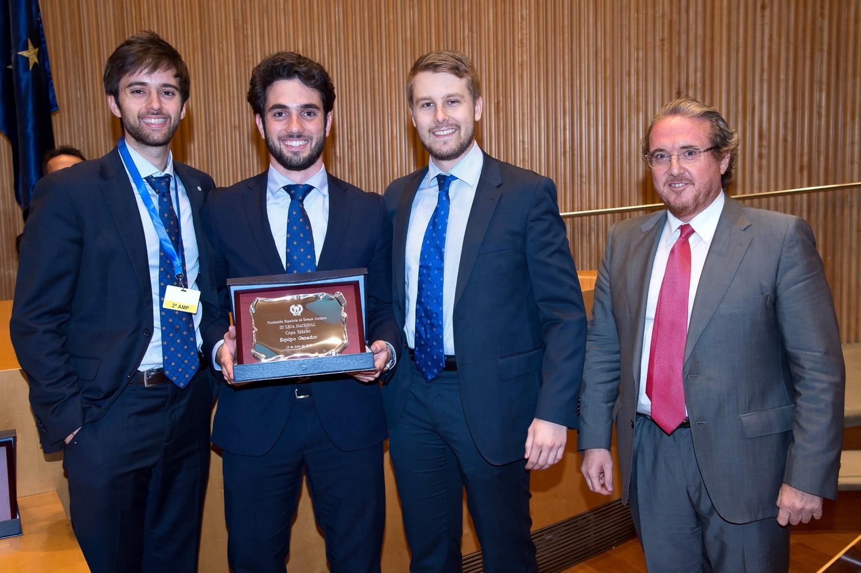 El equipo de la Universidad Carlos III de Madrid ganador de la Copa Máster de Debate Jurídico 2018