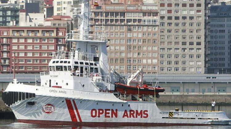 El ICAB colabora con las instituciones para atender jurídicamente a los 60 migrantes del Open Arms que llegan al puerto de Barcelona