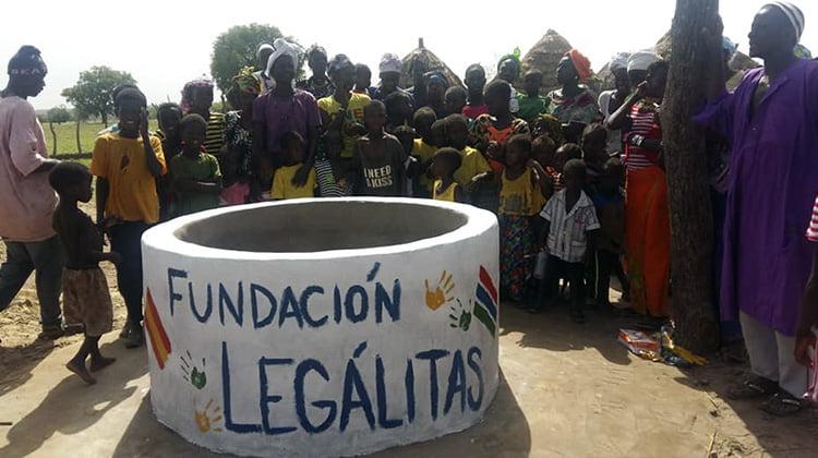 La Fundación Legálitas crea un pozo solidario en Gambia para mejorar la vida de 600 personas