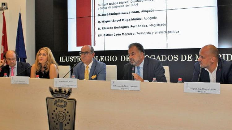 Juristas desvelan en el ICAM las contradicciones de la Ley de Memoria Histórica