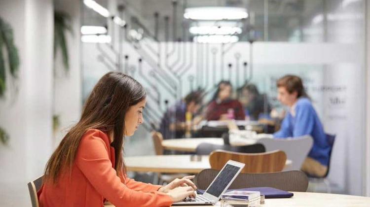 Doble Master en Abogacía, Emprendimiento y Tecnología (LLM) – IE Business School