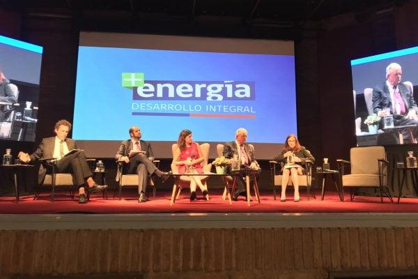 Ministerio de Energía impulsa desarrollo de proyectos sostenibles