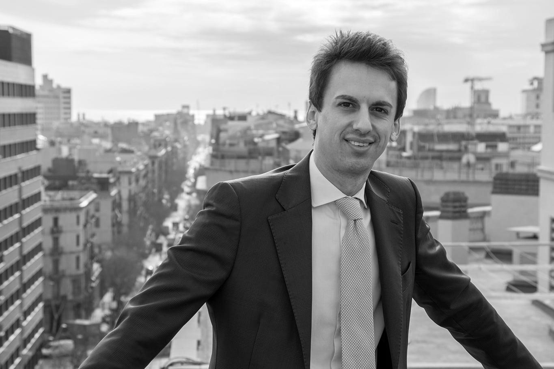 Vehículos para invertir en inmuebles en España