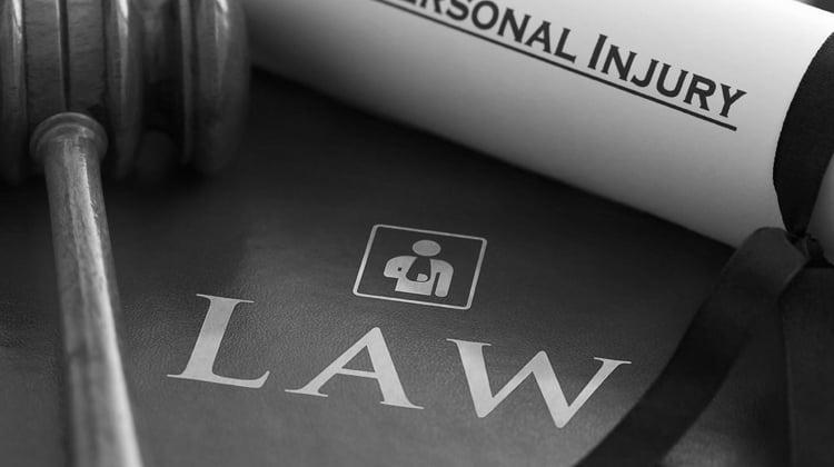 La Abogacía denuncia el retraso de la prueba de acceso a la profesión de abogado y exige su convocatoria en febrero