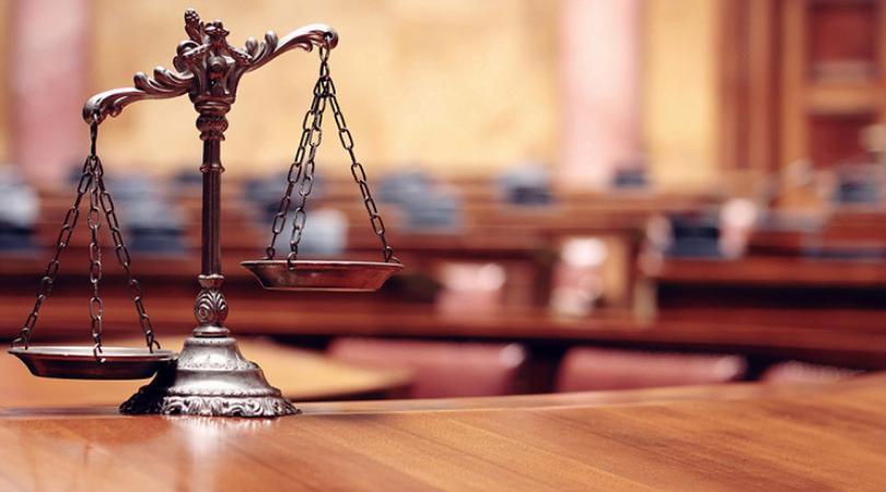¿La figura del traductor jurado entorpece la obtención de documentos legales?